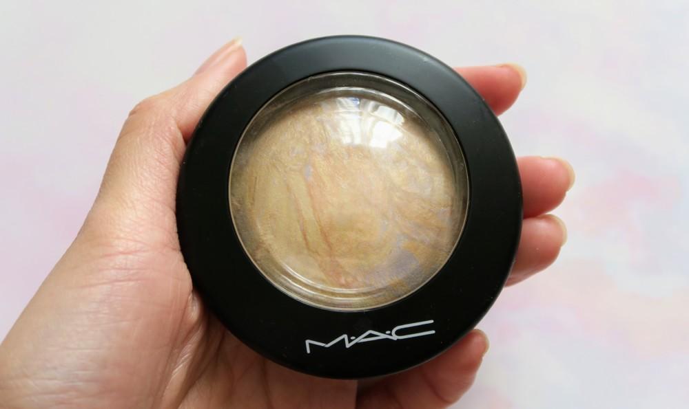 MAC「ミネラライズ スキンフィニッシュ」 ライトスカペード